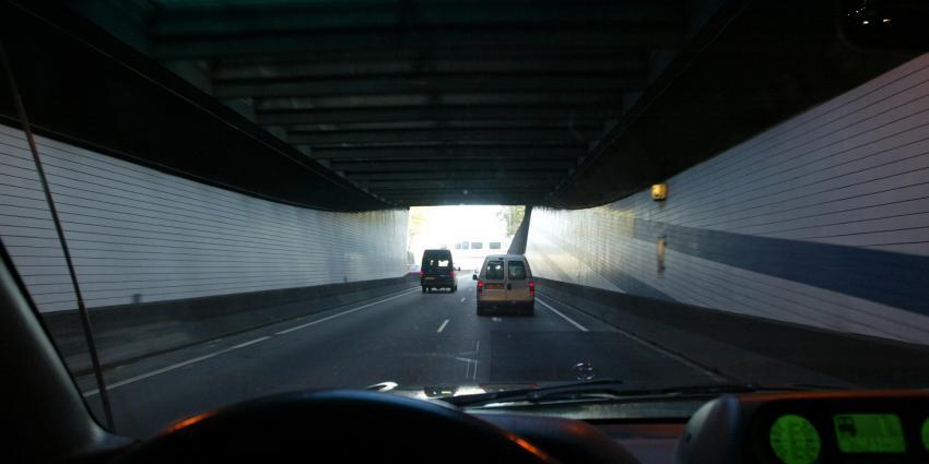 Truckers negeren massaal melding hoogte bij tunnels