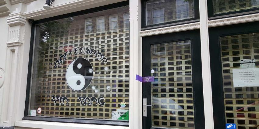 Opnieuw coffeeshop in Amsterdam onder vuur genomen