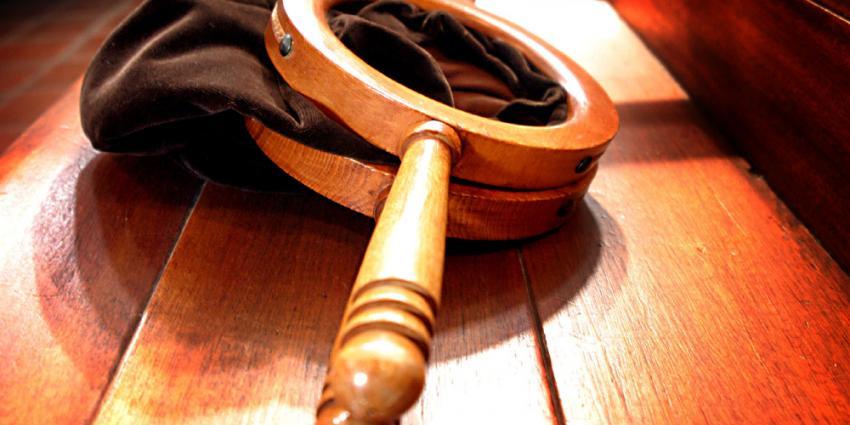 Penningmeester (77) cel in na verduisteren kerkgelden