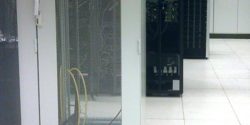 Grootste internetknooppunt Amsterdam fors gegroeid