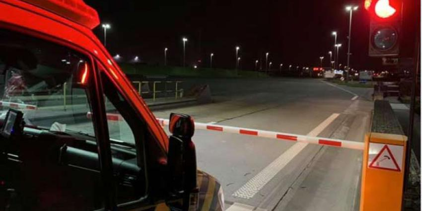 Nederlandse ambulance met coronapatiënt tegengehouden voor tolgeld
