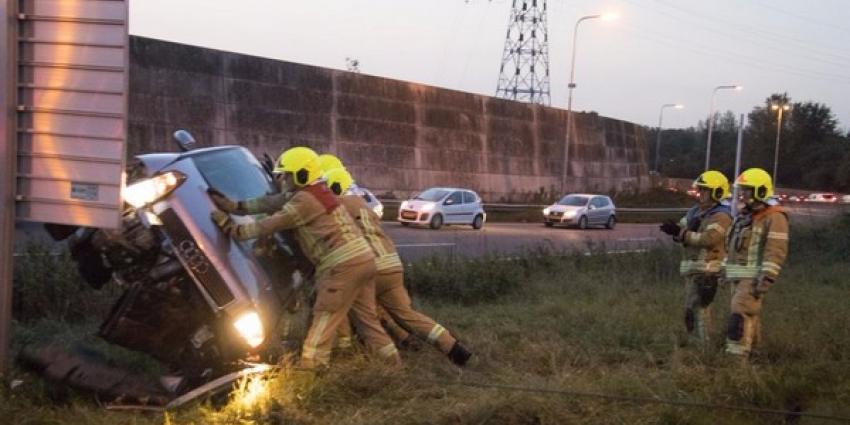 Gestolen auto gecrasht op de A20, bestuurder vlucht