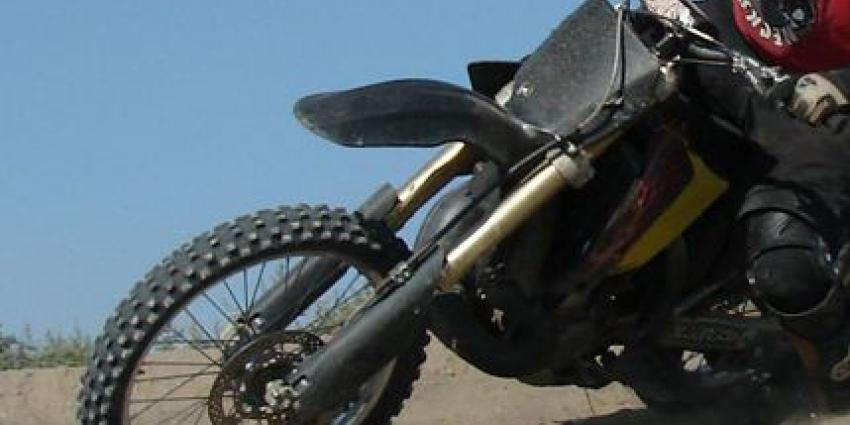 Jongen (17) motor definitief kwijt na omver rijden agent