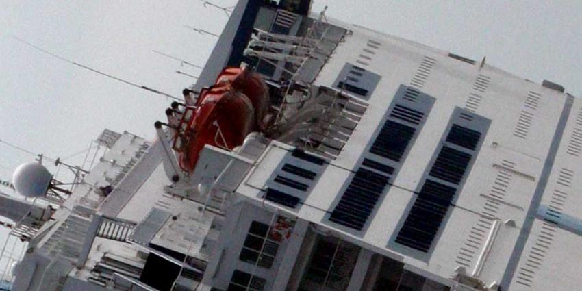 Foto van gekapseisd schip | Archief EHF