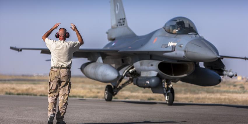 Kamermeerderheid voor bombarderen in Syrië