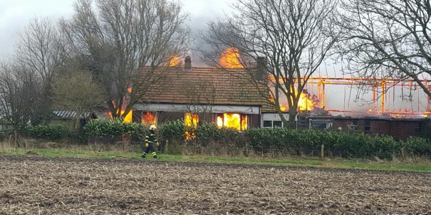 Boerderij verwoest door brand in Veendam