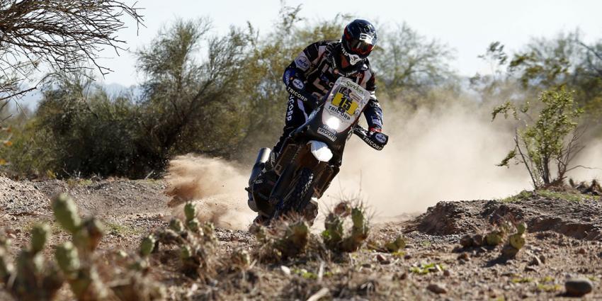 """Frans Verhoeven beleeft zijn """"zwaarste Dakar-dag"""""""