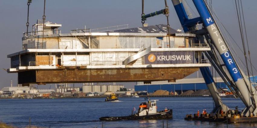 Deel Scheveningse pier aangekomen bij slopers