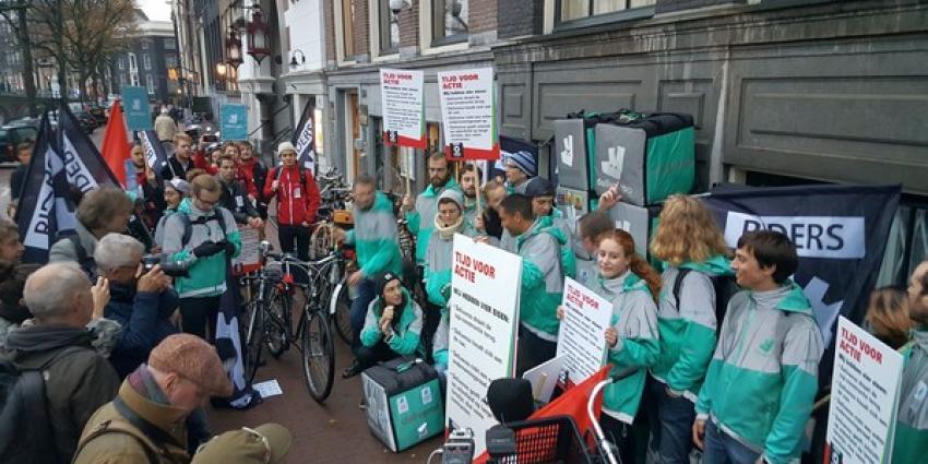 Actie boze bezorgers van Deliveroo tegen nieuwe plannen