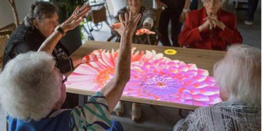 'Tovertafel' brengt mensen met dementie in beweging