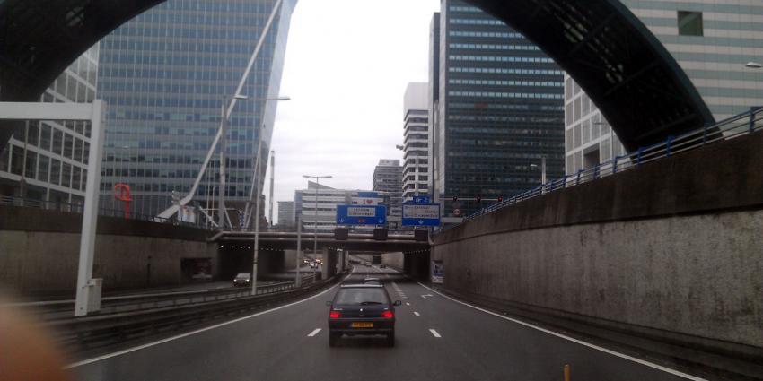 Den Haag voor derde jaar stad met de meeste filevertraging