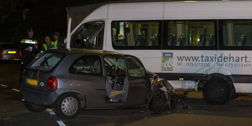 Ernstig verkeersongeval voor deur Majorcabar in Den Dungen