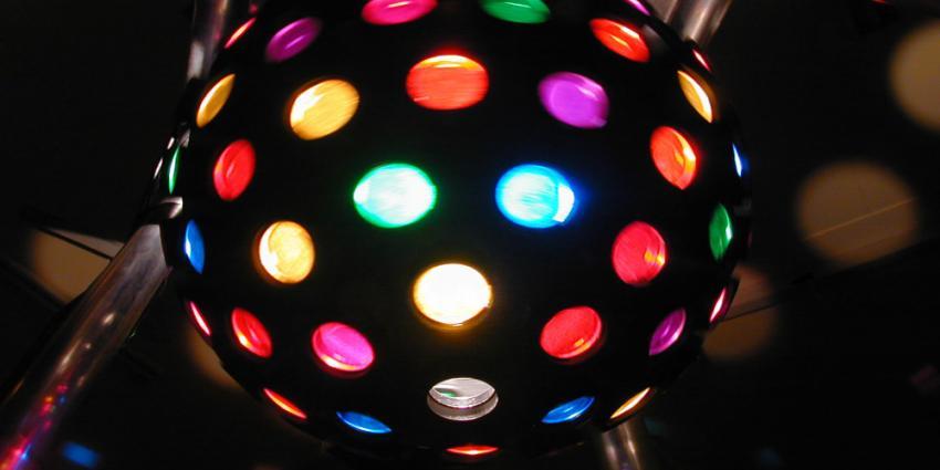 Foto van disco bol licht dansen | Archief EHF