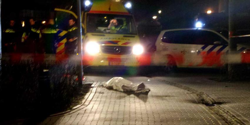 Man (35) in Diemen op straat doodgestoken