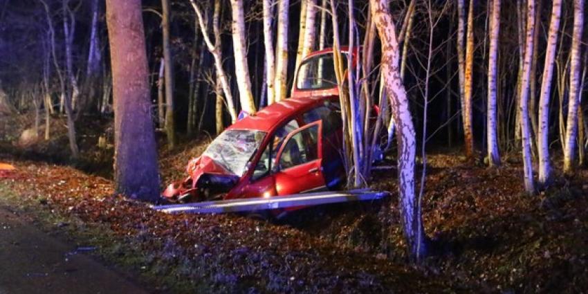 Automobilist (35) overleden na eenzijdig verkeersongeval