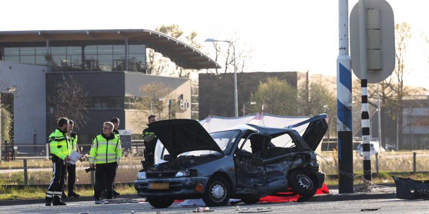 dodelijke-aanrijding-auto-politie-VOA