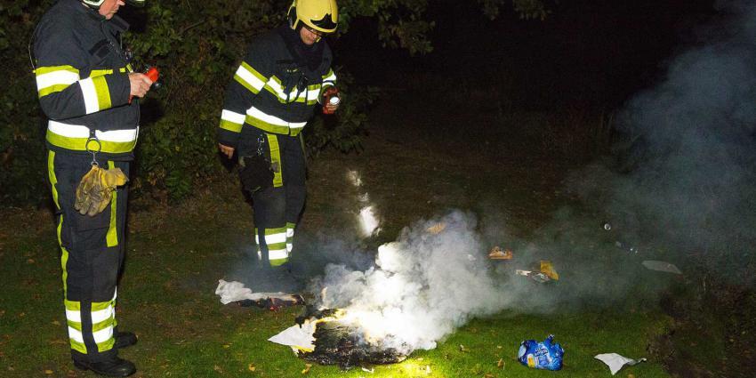 Brandweer dooft brandende doeken in Leijsenven in Boxtel
