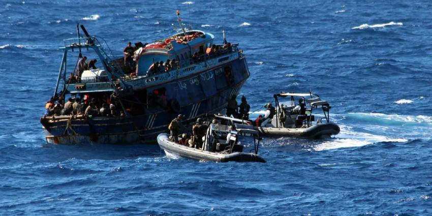 Bijna 200 mensen van zinkend schip gered door Nederlands fregat