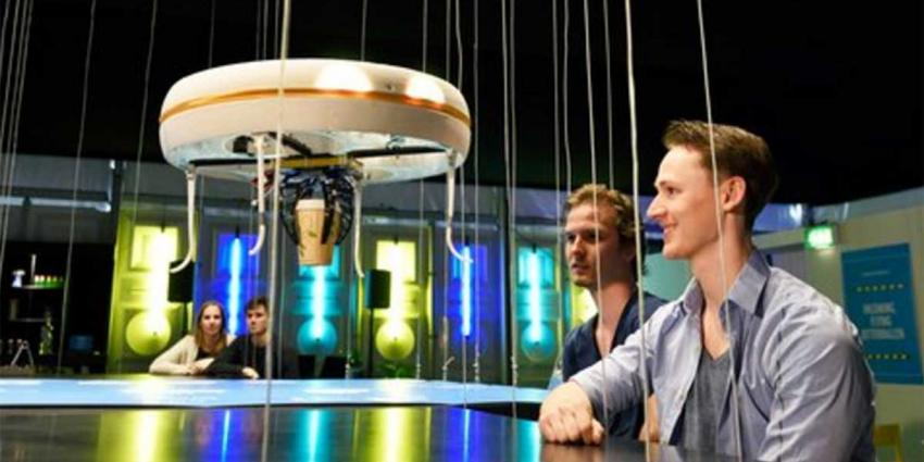Drones brengen je drankje in werelds eerste dronecafé in Eindhoven