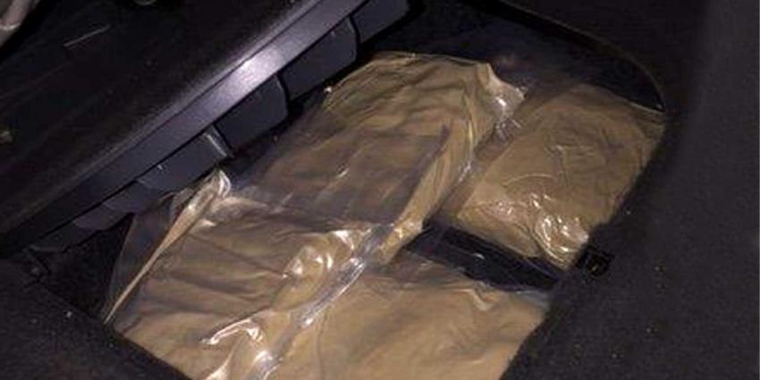 Moordverdachte met 6 kilo heroïne door KMar in Duitsland aangehouden