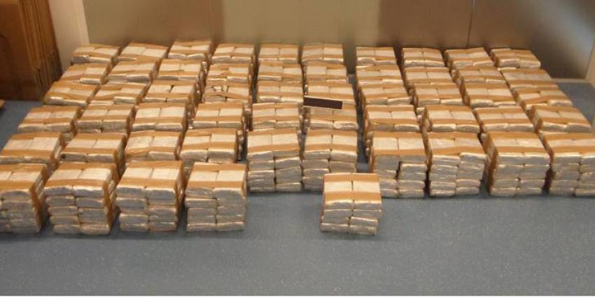 Grote drugsvangst: ruim 3400 kilo hasj in Utrechtse loods