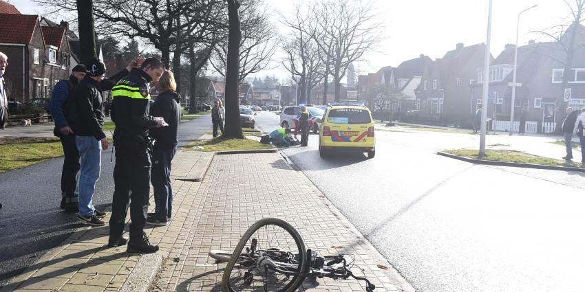 Fietser geschept door auto in Zeist