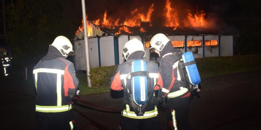 Gebouw duivensportvereniging Hoogeveen verwoest door brand
