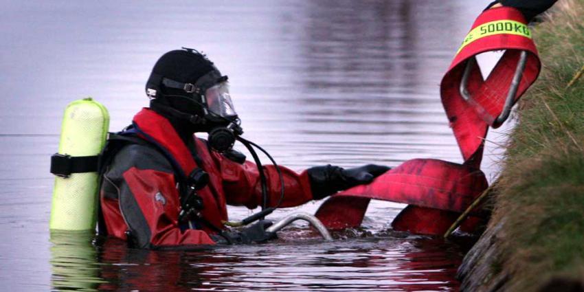 Zowel reddende getuige als automobilist vermist na auto te water