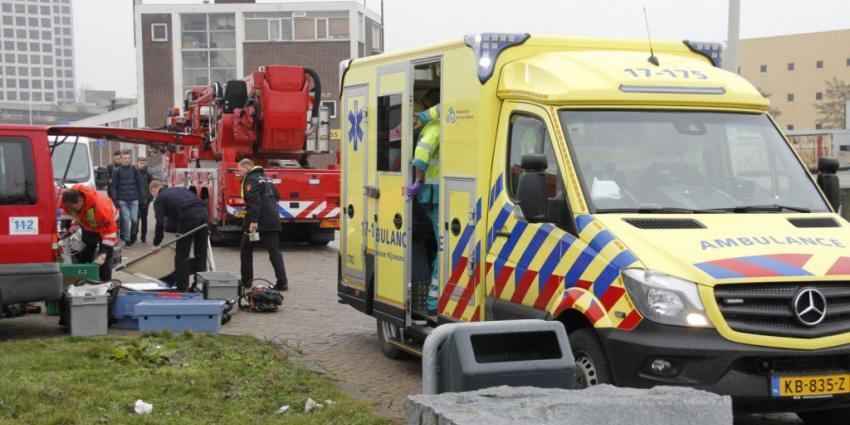 Brandweerduiker in de problemen in Rotterdam