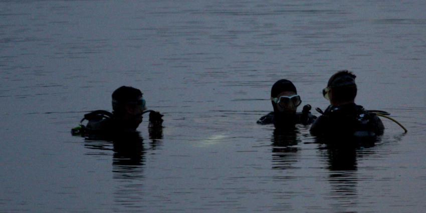 Zoekactie vermiste vrouw in water gestopt