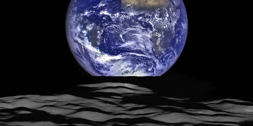 Haarscherpe foto van de aarde gemaakt door ruimte zonde NASA