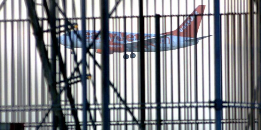 Piloten easyJet leggen werk neer voor betere CAO