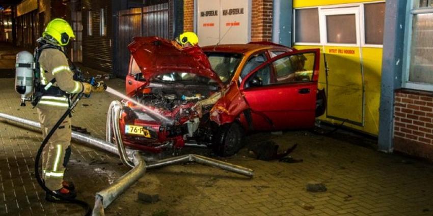 Veel schade na flinke aanrijding Schiedam