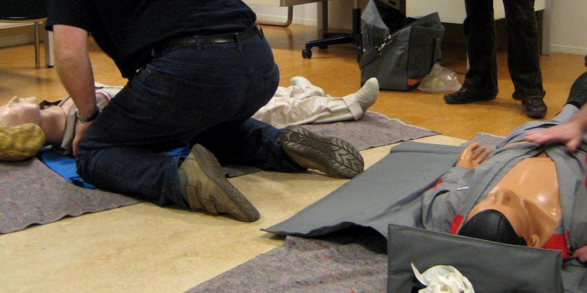 Hulpbereidheid van Nederlanders EHBO te verlenen neemt af