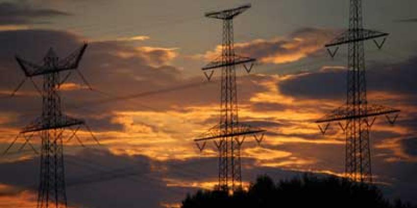 Nederlanders zaten vorig jaar gemiddeld 32,9 minuten zonder stroom