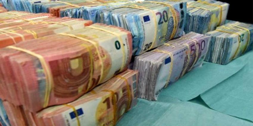 Voor 100.000,- euro aan cash in Big Shoppers aangetroffen