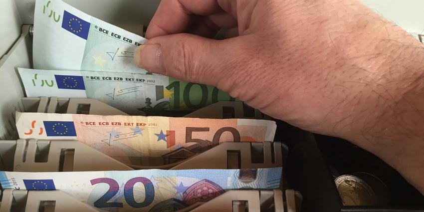 Geld in kassa