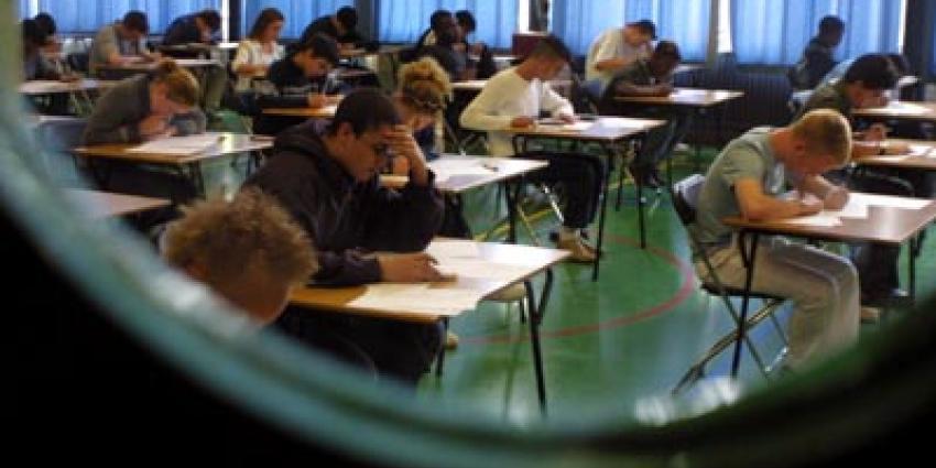 Voor ruim 206.000 scholieren beginnen vandaag de eindexamens