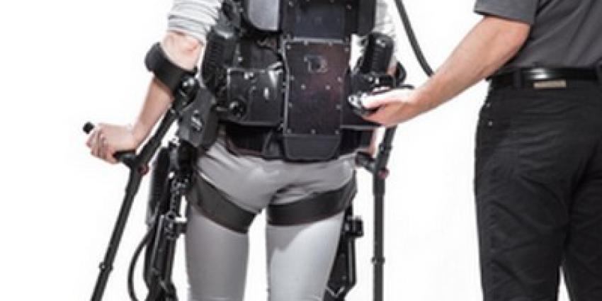 UMCG start met looptraining in exoskelet voor hersenletsel- en dwarslaesiepatiënten