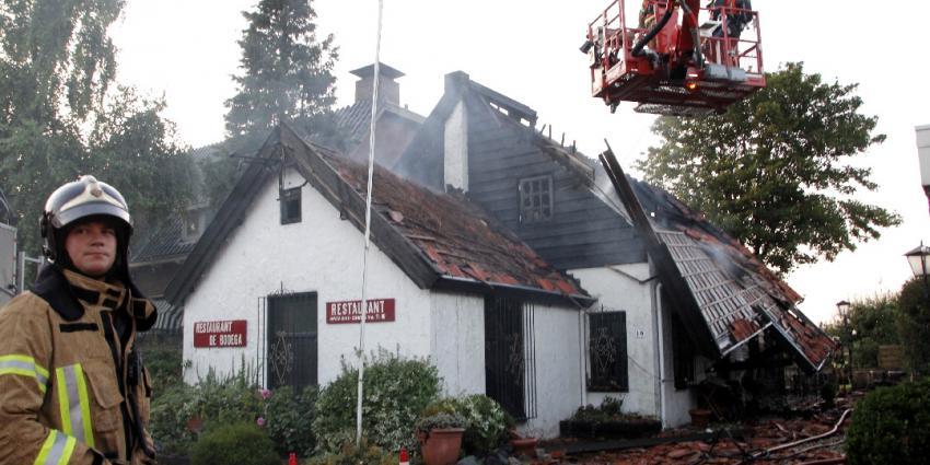Grote brand in café na explosie