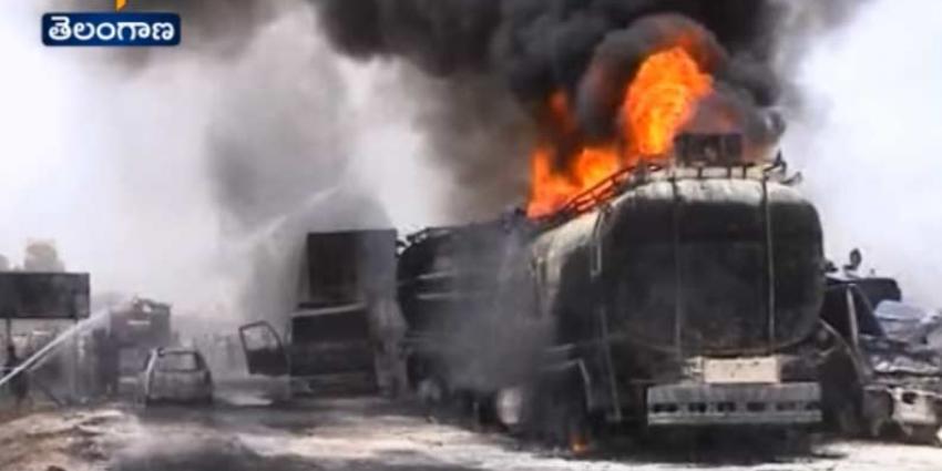 120 doden 90 gewonden na explosie tankauto in Pakistan