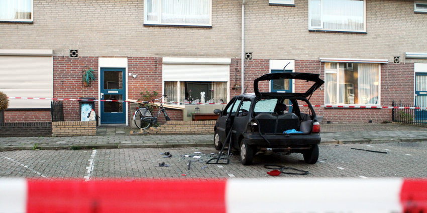 Auto door explosief vernield in Geldrop