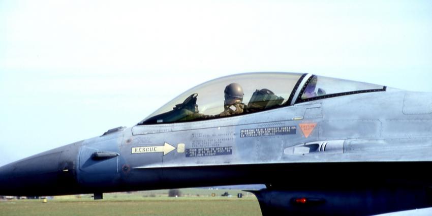 Nederlandse F-16's mogen tot in Frankrijk begeleiden