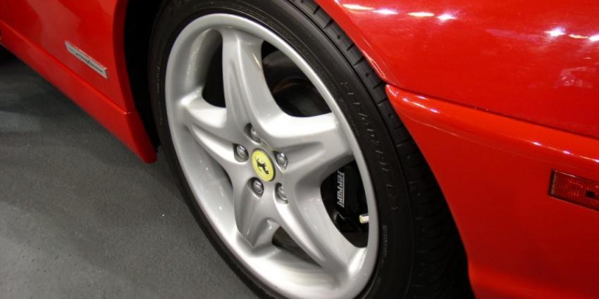 Foto van voorwiel Ferrari   Sxc
