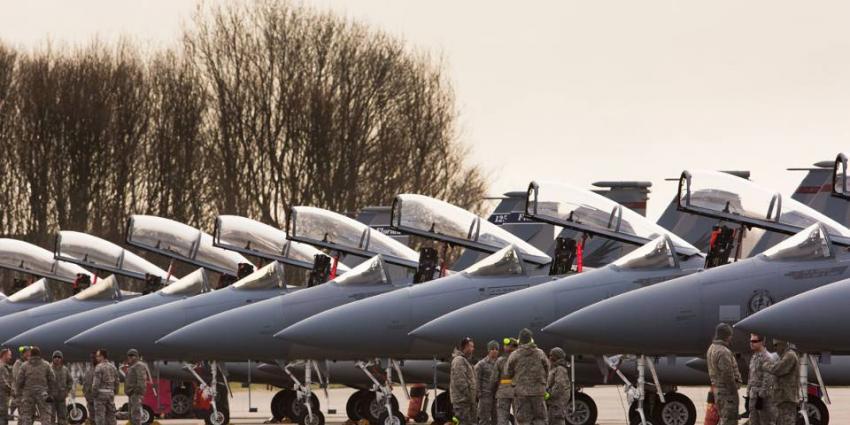 Amerikaanse F-15 en Nederlandse F-16's