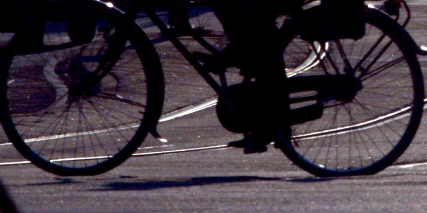 Bestuurder rijdt in op fietser na opmerking over rijgedrag