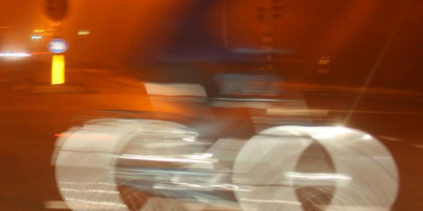 In een avond 214 mensen in Haarlem op de bon voor rijden zonder fietsverlichting