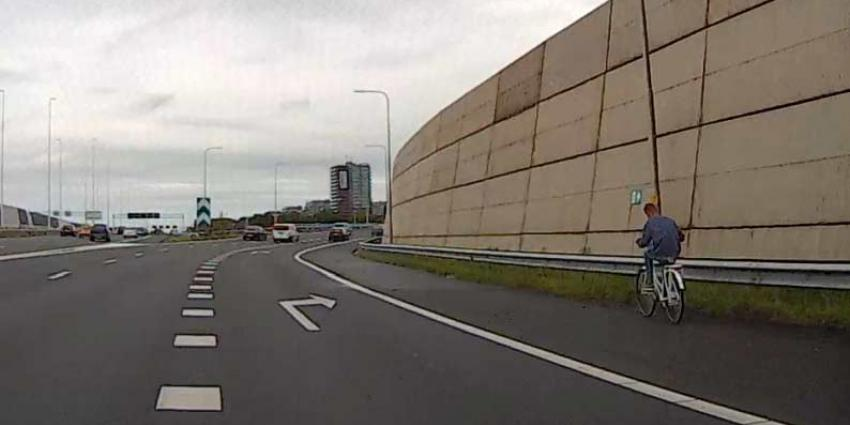 Fietser neemt de 'snelste' route via snelweg A4