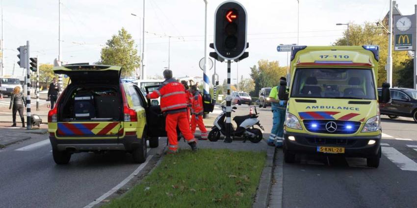 Fietser gewond na aanrijding met auto in Rotterdam