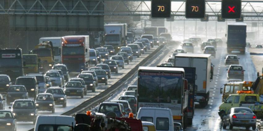 Flinke problemen op de A2 in Limburg door ongelukken